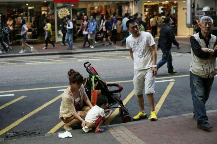 Kelakuan konyol warga China Daratan yang BAB Sembarangan